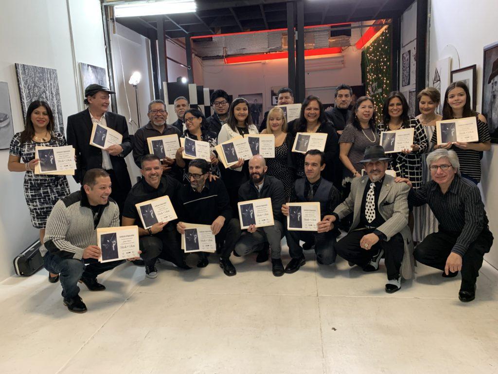 foto Grupo completo de artistas participantes